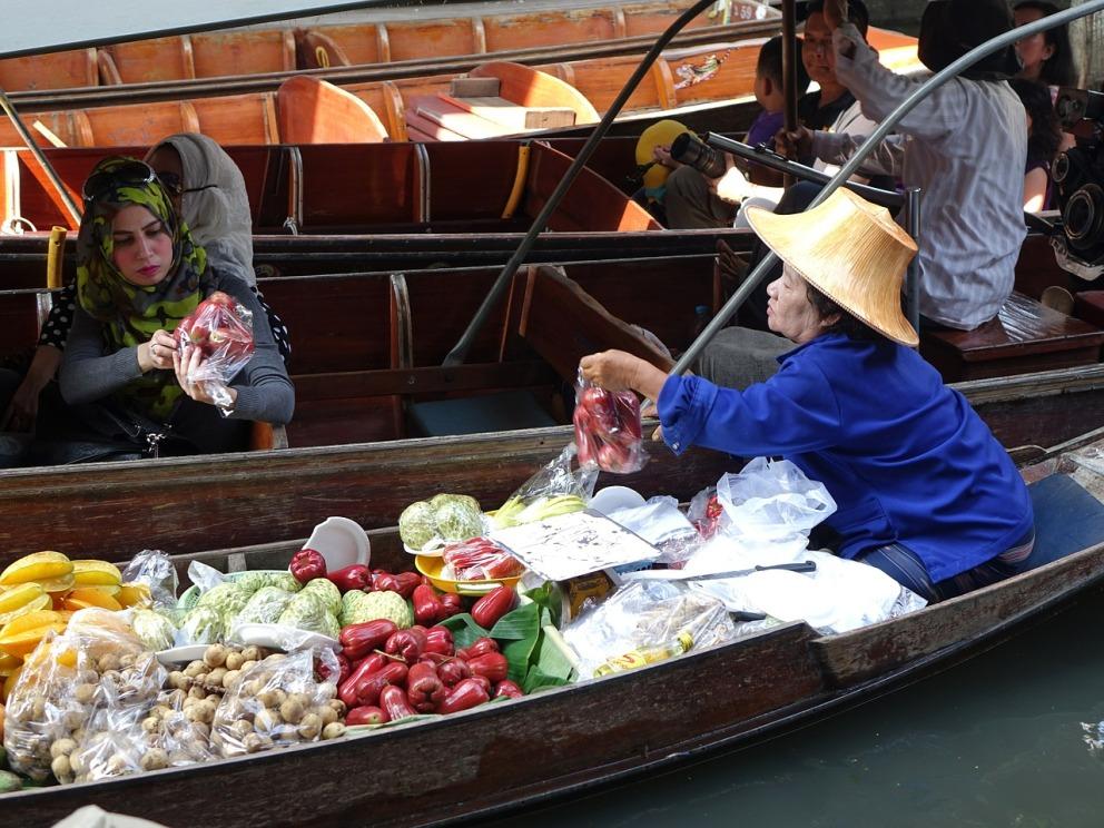 damnoen-saduak-floating-market-546268_1280.jpg